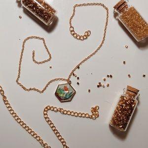 golden succulent terrarium necklace!!!🌱🌟